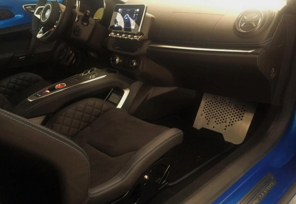 Interior Alpine A110. Tablet.