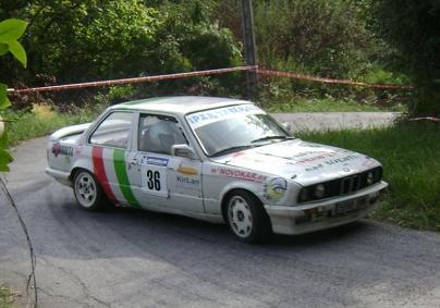 BMW 325i E30. Jon Zalloetxeberria y Mayer Outeriño