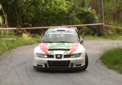 Joseba Zapirain y Estíbaliz Armendariz. SEAT Cordoba WRC.