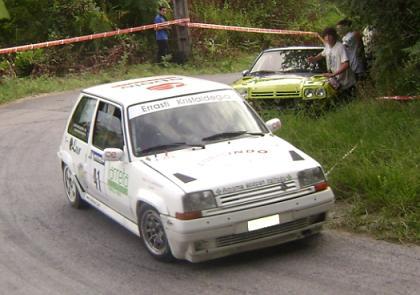 Renault 5 GT Turbo. Inhar Amenabar y Agurtzane Zubieta.