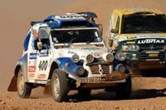 Citroen 2CV bimotor 4x4 participando en el Lisboa-Dakar 2007