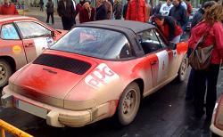 Aspecto del coche de los segundos clasificados tras la prueba.