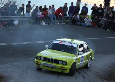Andoni Perez y Oscar Lopez. BMW 325i